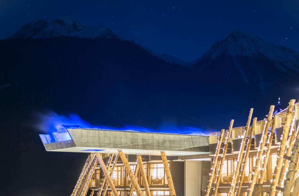 Hotel in valdaora alpin panorama hotel hubertus - Piscina hotel hubertus ...