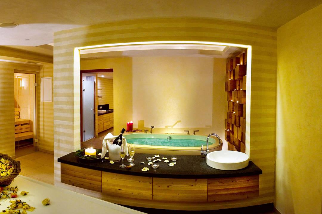 Un bagno romantico in un wellness celestiale for Bagno romantico