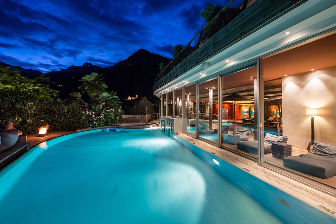 Hotel in dorf tirol spa relax hotel erika for Design wellnesshotel sudtirol