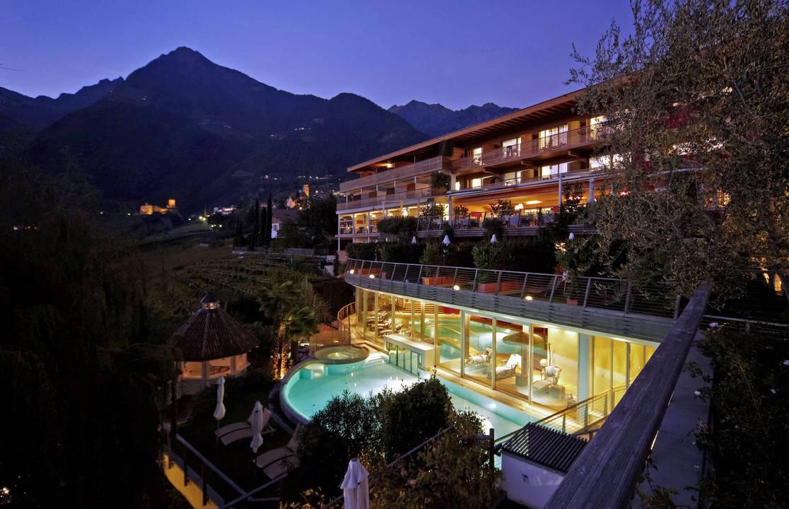Hotel in tirolo spa relax hotel erika for Design hotel dorf tirol