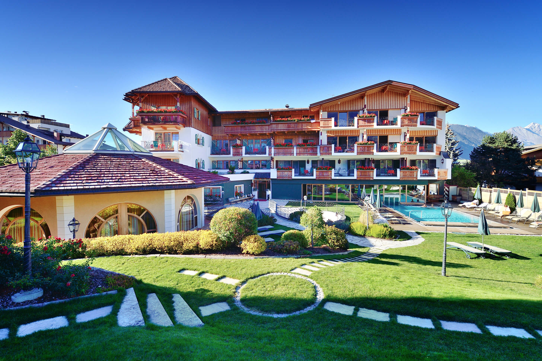 Hotel in valdaora mirabell dolomiten wellness residenz for Valdaora hotel